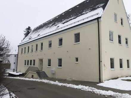 Erstbezug: exklusive 3-Zimmer-Wohnung in Breitenbrunn OT Bedernau. Kernsaniertem Mehrfamilienhaus