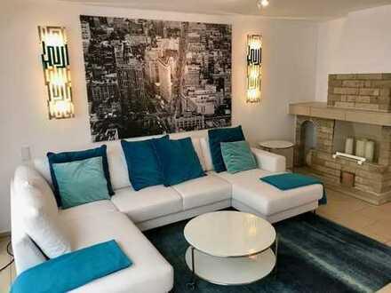 In bester Lage schöne, grosse und ruhige Wohnung auf 2 Ebenen mit Terrasse, Garten und Sauna.