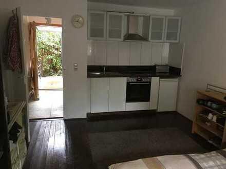 Ganz neues 3er & 4er WG Wohnungen in Zwei Familien Haus Stuttgart Süd