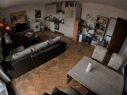 Großes Zimmer in 4er WG - Uninähe