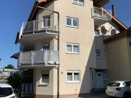 4,5 Zimmer Wohnung mit großem Balkon und Gargage