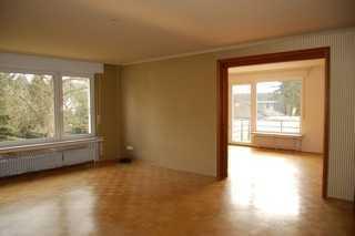Freier Grünblick in Alt-Brück: helle 103 m2 mit Tageslichtbad, Balkon und großem Keller
