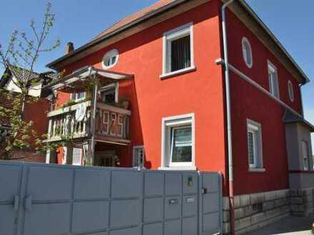 Großzügige Wohnung auf 2 Etagen* Innenstadt von Eisenberg* alles fussläufig erreichbar