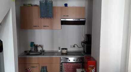 Ansprechende 2-Zimmer-Dachgeschosswohnung mit Einbauküche in Eppelborn