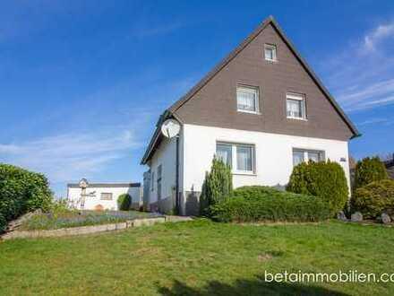 Vielfältig nutzbares Zweifamilienhaus auf großzügigem Erbpachtgrundstück in Kirchhörde!