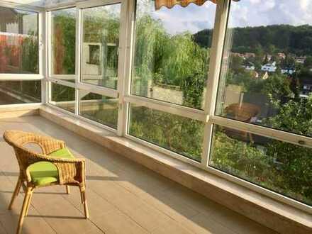 Erstbezug, ca. 16m² Zimmer + riesiges Wohnzimmer, in sehr heller, nobel ausgestatteter Wohnung