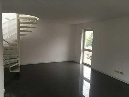 Ansprechende 3-Zimmer-Maisonette-Wohnung mit Dachterrasse und Einbauküche in Dürrmenz