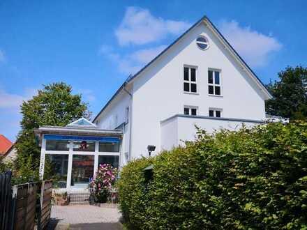 Wohn- und Geschäftshaus - Apotheke und 2 Wohnungen