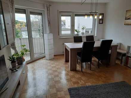 Vollständig renovierte 3-Zimmer-Hochparterre-Wohnung mit Balkon in Weiler bei Bingen