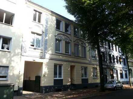 Schönes Stilhaus im Herzen von E-Dellwig mit 2 sanierten Wohnungnen