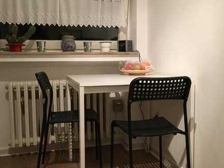 Möbliertes Zimmer (25 m²) in Zentrumslage zur Zwischenmiete