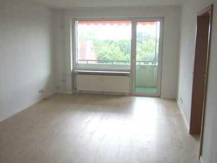 Schöne 2-Zimmer-Wohnung mit Balkon und Einbauküche in Langenhagen