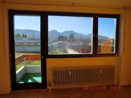 schöne 3 Zimmer Wohnung im 2. OG mit Balkon und Aufzug, im Zentrum von Balingen-Frommern