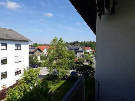 Sonnige, ruhig gelegene 3-Zimmer-Wohnung in unmittelbarer S-Bahn Nähe in Eglharting