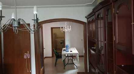 Charmante 4 Zimmer OG Wohnung mit Charme und Stil in Rastatt! … und viel Potential!
