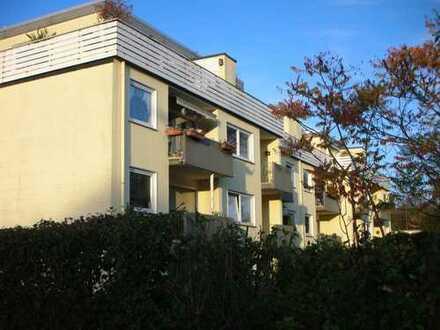 Von Privat - Modernisierte 4-Zimmer-Hochparterre-Wohnung mit Balkon in Wuppertal