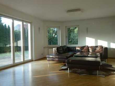 Einfamilienhaus mit 5 Zimmern in Remseck-Aldingen zu vermieten