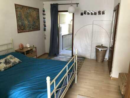 Geräumige, gepflegte 1-Zimmer-Hochparterre-Wohnung zur Miete in Freiburg-Zähringen