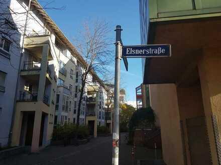Komplett neu renoviertes Appartement mit Balkon in Nürnberg Gostenhof (Nähe Plärrer)