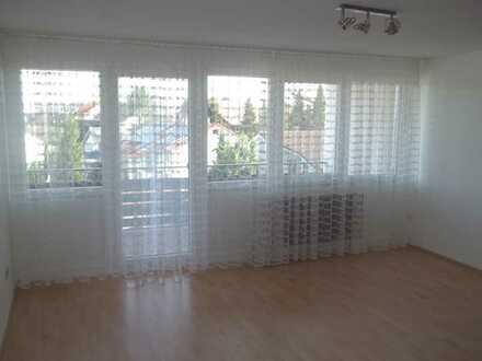 Ansprechende, geräumige 1-Zimmer-Wohnung mit Balkon und Einbauküche in Waldbronn