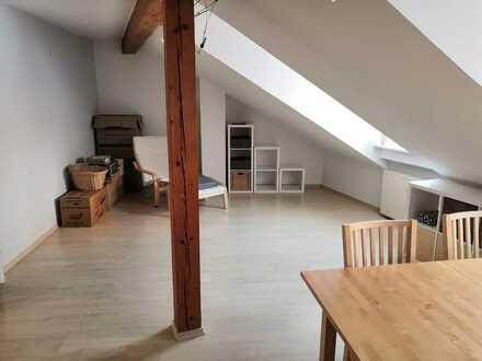 2-Zimmer-DG-Wohnung mit Einbauküche in Eichstätts