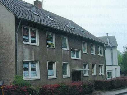 Erstbezug nach Sanierung: geräumige 1-Zimmer-DG-Wohnung in Essen