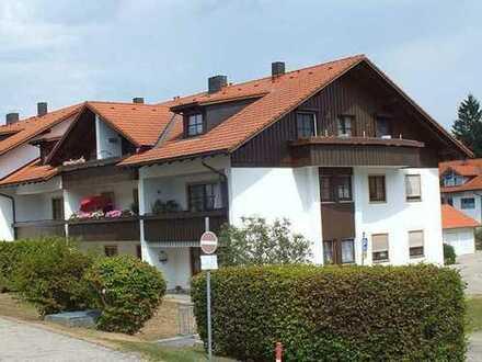 Exklusive, gepflegte 3-Zimmer-DG-Wohnung mit Süd und Welsbalkon und EBK in Dietmannsried