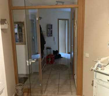 Attraktive 4-Zimmer-Maisonette-Wohnung mit 2x Balkone und EBK in Großhabersdorf