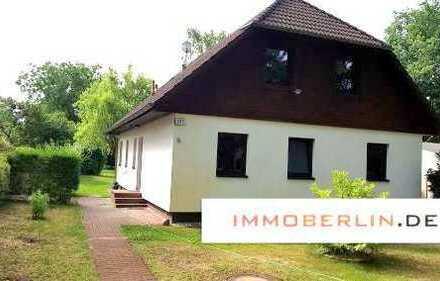 IMMOBERLIN: Komfortables Ein-/Zweifamilienhaus mit herrlichem Südgarten
