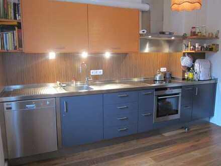 Vollständig renovierte 4-Zimmer-Wohnung mit Balkon und Einbauküche in Kempten (Allgäu).
