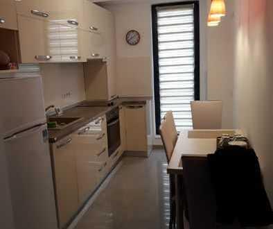 Modernisierte Wohnung mit zwei Zimmern sowie Balkon und Einbauküche in Achern