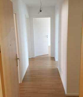 Renovierte 3-Zimmer-Wohnung/ 3er WG