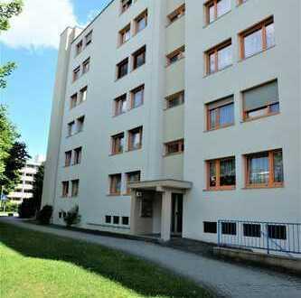Moderne 3-Zimmer-Wohnung mit Balkon und Stellplatz in Ulm