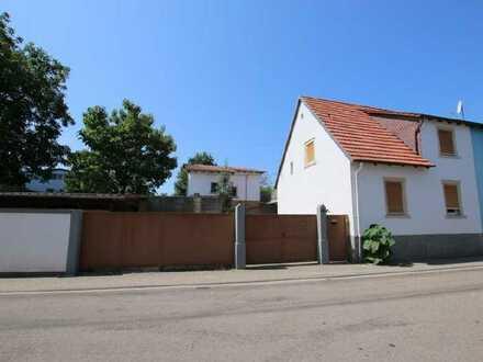 Neuwertige 3-Raum-Wohnung mit Balkon und Einbauküche in Insheim (Pfa