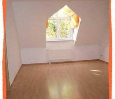 Romantische Dachwohnung in ruhiger & zentrumsnaher Grünlage