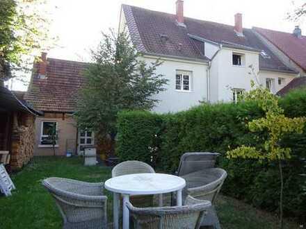 Große Maisonette-Wohnung im Herzen von Knielingen