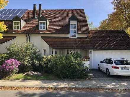 Schönes, geräumiges Haus mit sieben Zimmern in Regensburg, Oberisling-Graß