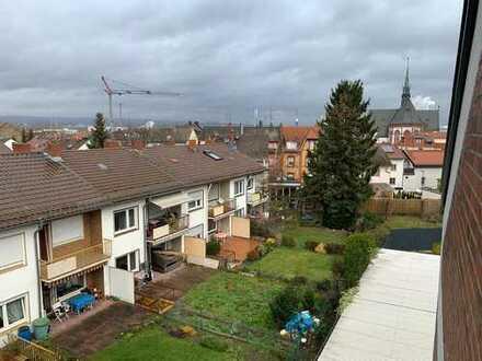 Großzügige 2 ZKB-Wohnung im Penthousestil mit schönem Blick über Mainz