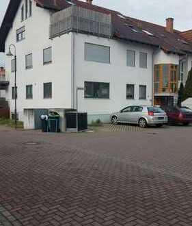 Schöne 4-Zimmer, Küche, Bad, sep. Toilette in Iggelheim 1.OG