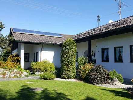 Einmaliges Anwesen mit elf Zimmern, Schwimmbad, Sauna + 1650 m² Grundstück - Nähe Buchloe/Kaufbeuren