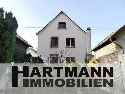 Stattlich und freistehend – Ein- bis Zweifamilienhaus in bevorzugter Lage von Schwanheim!