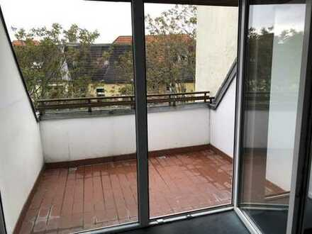 Neues Zuhause für Groß und klein - Dachgeschoss mit ruhiger Terrasse