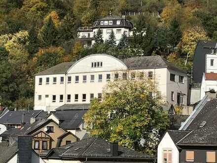 Betriebs- und Produktionsgebäude im Herzen von Oberstein