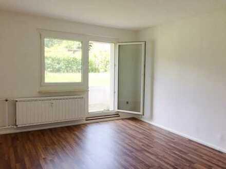 Erstbezug nach Sanierung! 4-Raum-Wohnung mit Balkon!