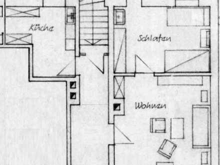 2-Zi-Altbau-Wohnung im 1. OG, in zentraler aber ruhiger Lage mit Terrasse