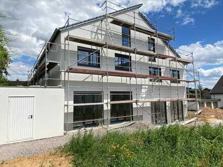 + NEUBAU! Moderne und helle Doppelhaushälfte mit Garten & Garage in beliebter Wohnlage LD-Südwest! +