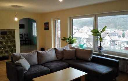 Lichtdurchflutete 4 Zimmerwohnung - Genießen Sie die Aussicht in einen schönen Garten