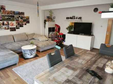 GROßE 3-Zimmer-DG-Wohnung mit Balkon und EBK in Birkenwerder