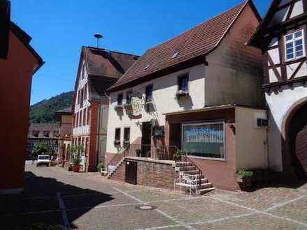 Komplettes ehem. Gasthaus mit 6 Zimmer Wohnung+ Laden von Privat-Ohne Makler