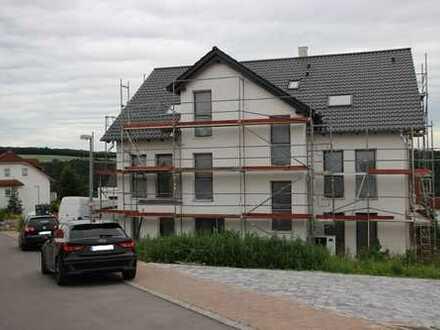 Neubau Helle EG-Wohnung (KW55) mit vier Großen Zimmern mit Terrasse und Garten in Weißbach